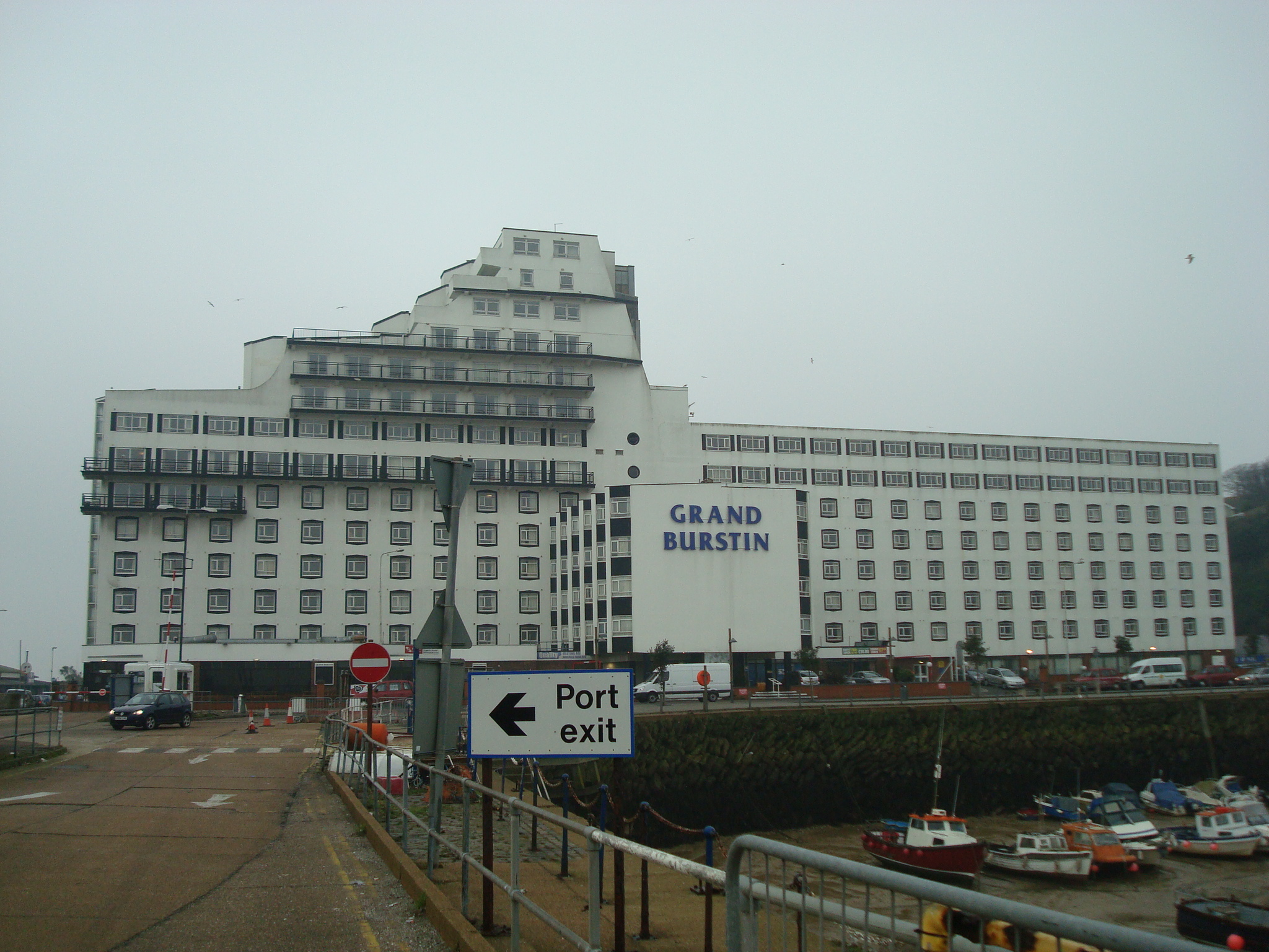 The_Grand_Burstin_Hotel,_Folkestone_-_geograph.org.uk_-_1718491
