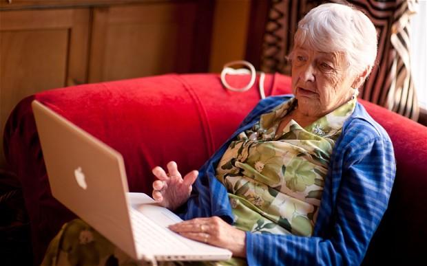 elderly-computer_2488052b