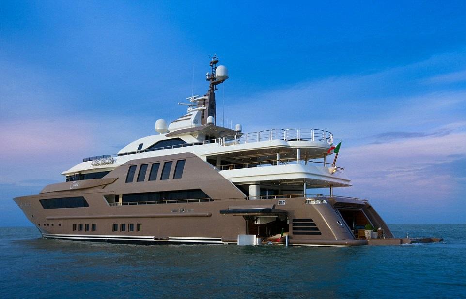 1412261263266_wps_13_jade_yacht_with_garage