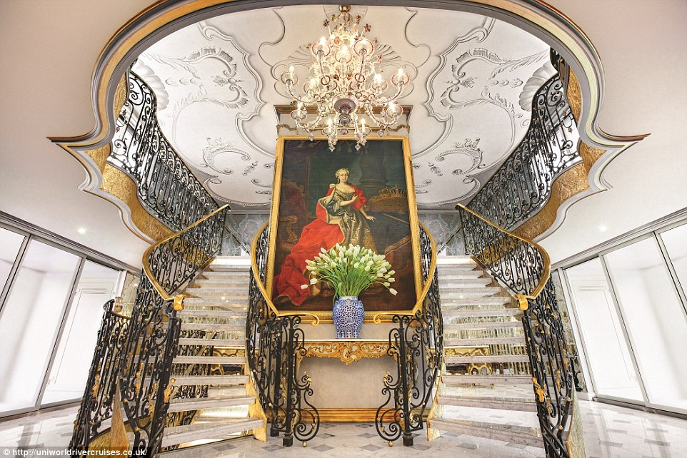 26F8769700000578-3010903-The_S_S_Maria_Theresa_s_grand_lobby_features_an_enormous_oil_pan-a-10_1427294298506