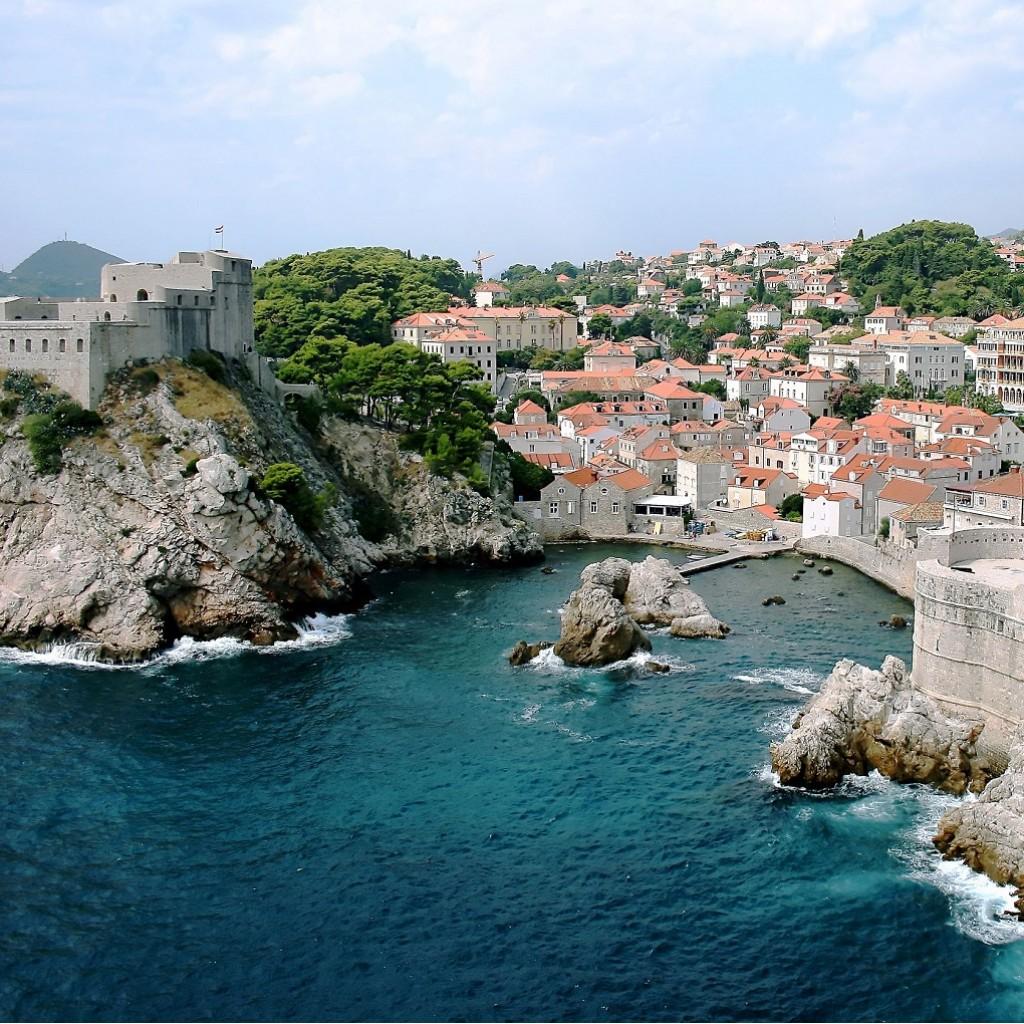 Dubrovnik-Old-City-on-the-Adriatic-Sea-in-Croatia1020