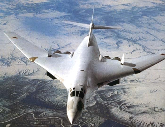 Udarnaya-sila-Vozdushnyy-TerminatorBombardirovshhikraketonosec-Tu160-Belyy-lebed