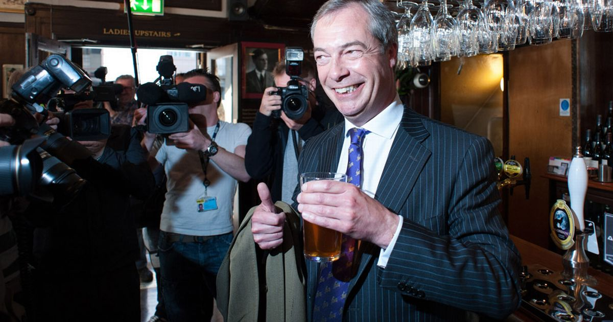 UKIP-leader-Nigel-Farage-drinks-a-pint-in-the-Marquis-of-Granby-pub