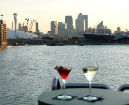 Отель яхта в Лондоне.