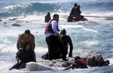 Свобода, деньги и смерть у берегов Греции и Италии.