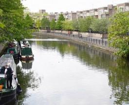 Полиция обнаружила труп в чемодане в канале на Западе Лондона.