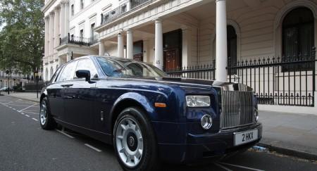 Фильм о том, как украденные в России деньги перетекают в недвижимость Великобритании.