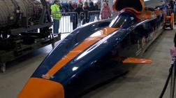 Самый быстрый автомобиль на Земле.