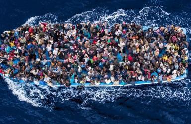 Нелегальные иммигранты – поборы и издевательства полиции Македонии.