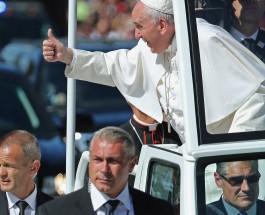 Папа Римский благословил Америку.