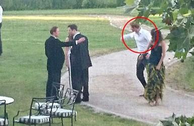 Принц Гарри, кровавая мэри и таинственная брюнетка.