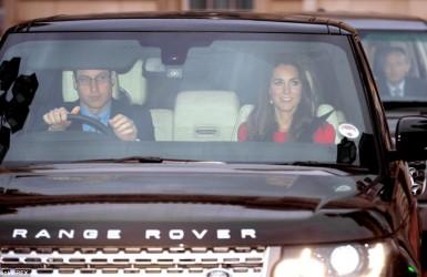 Королевская семья собралась на рождественский обед в Букингемском дворце.