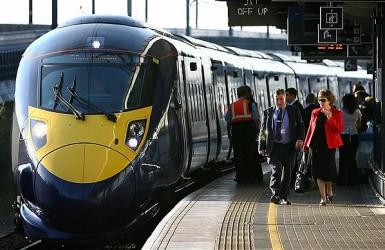 Железнодорожные билеты в Великобритании снова выросли в цене.