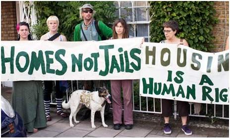 Люди требуют доступного жилья, а не тюремного заключения.
