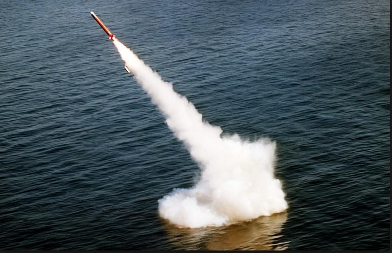 Израиль выпустил две ракеты в направлении Сирии.