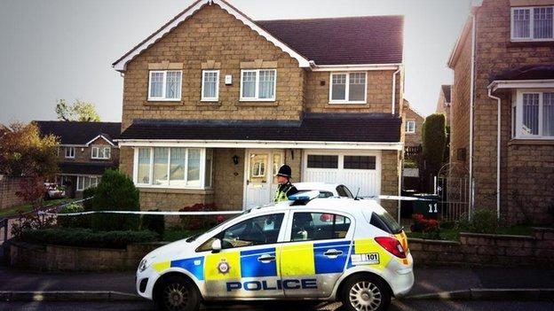 Полиция обнаружила четыре тела на севере Англии.