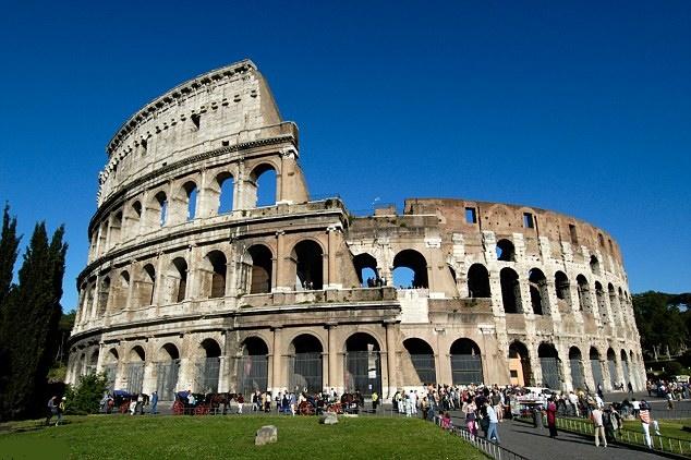 Турист из России посетил в Риме Колизей за 20 000 евро.