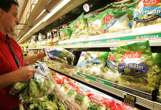 Овощи для супермаркетов Великобритании выращивают рабы в Испании.