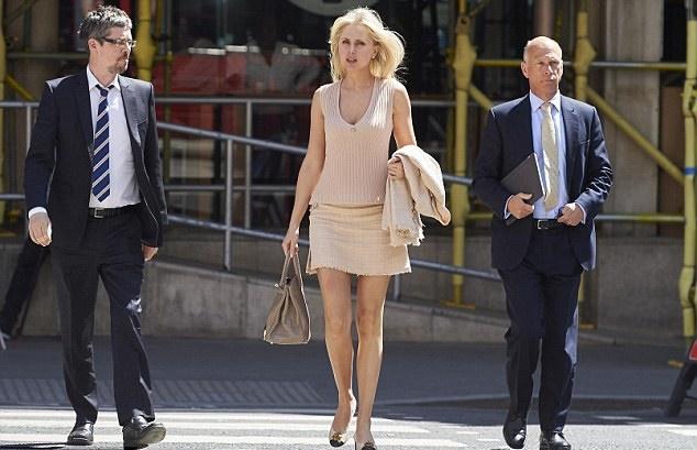 Бывшая королева красоты из России облегчила своего супруга, американского адвоката, на £3,3 миллиона.