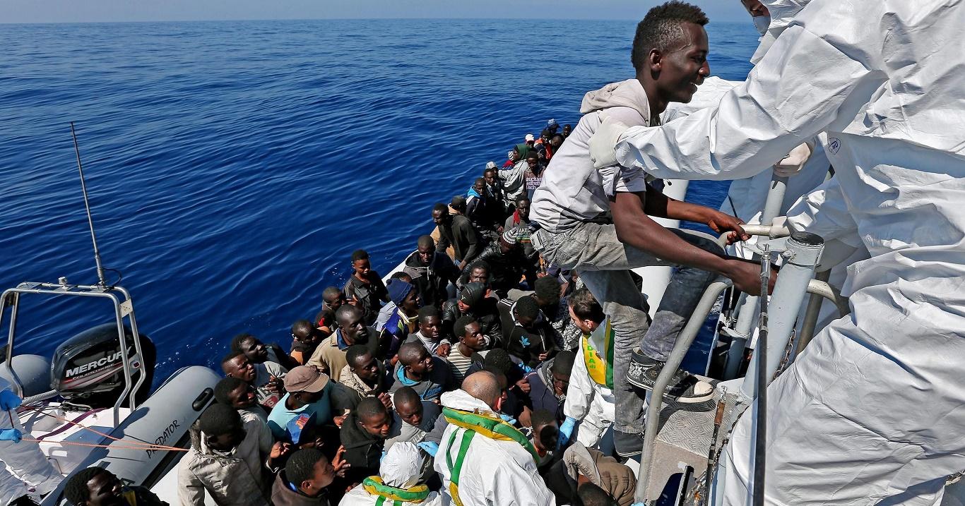 Европа пожелтела и почернела.