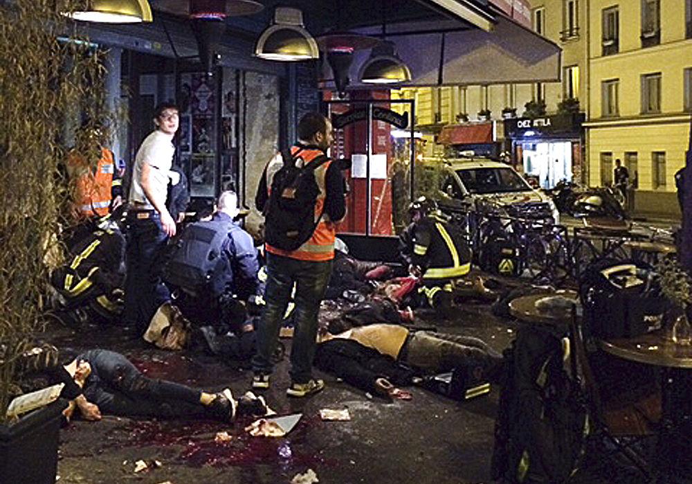 Теракты в Париже. Париж в крови. Хроника событий и рассказы очевидцев.